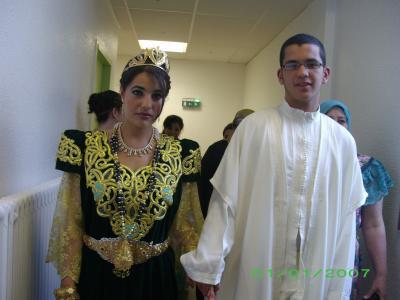gandoura et djellaba femme aux takchita de soiree marocaine gandoura